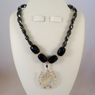 Faceted Teal Fire Agate Necklace with Hemalyke and Swarovski / Horseshoe Pendant